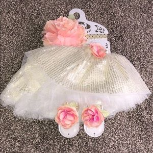 NEW 0-12 month photography outfit